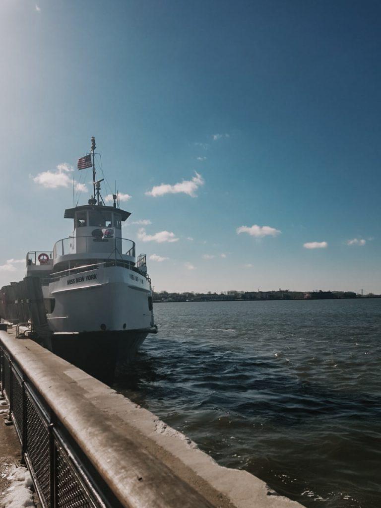 Boot naar Liberty Island
