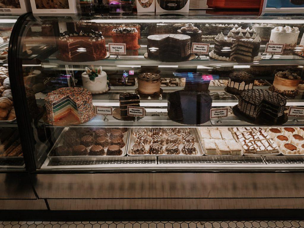 Carlo's Bakery vitrine