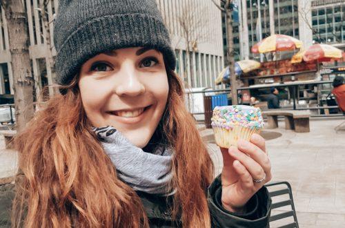 Jasmijn met cupcake Magnolia's Bakery
