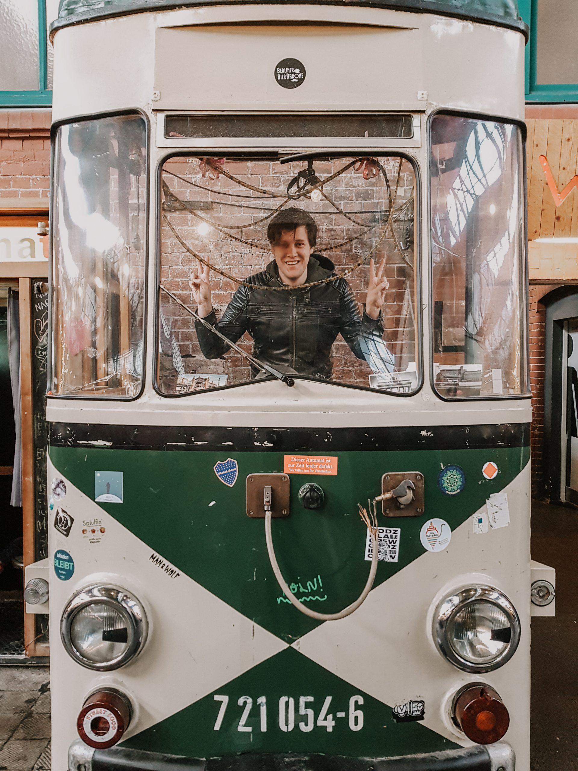 Markthalle Neun Tram