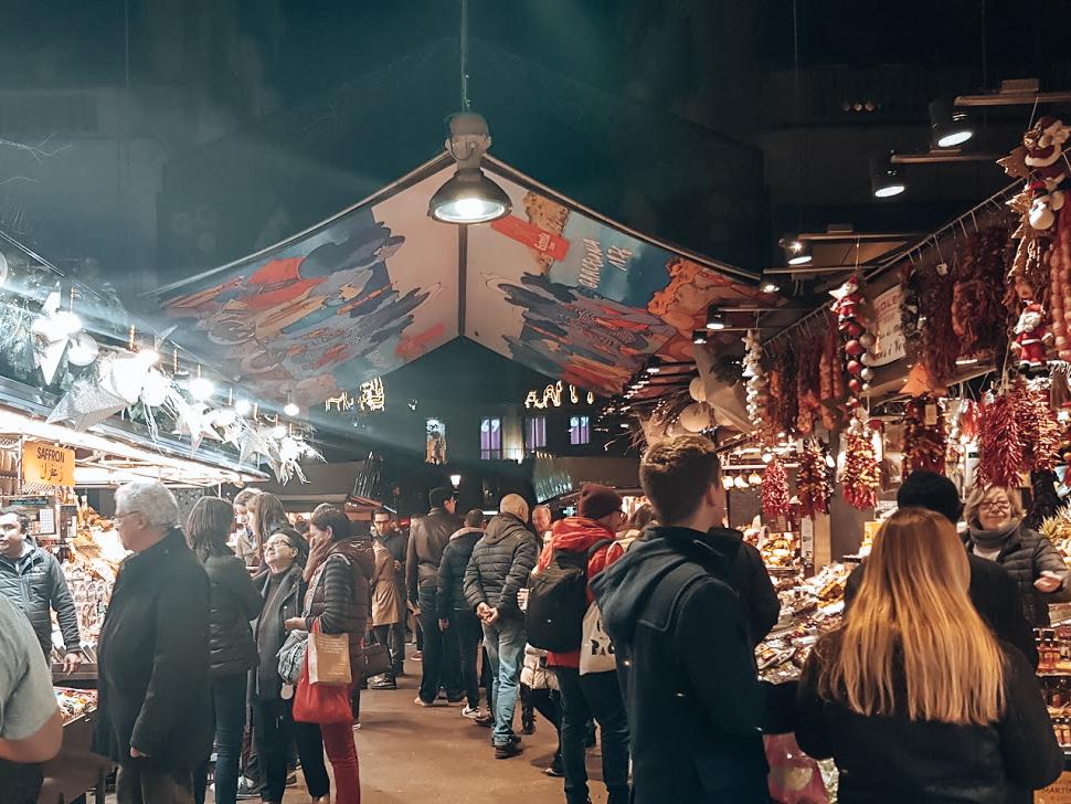 De populaire Mercat de la Boqueria markthal Barcelona